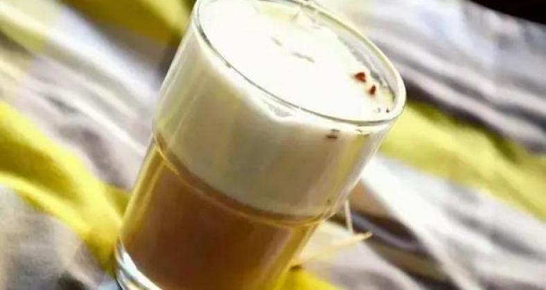 爱转角鲜果茶饮加盟