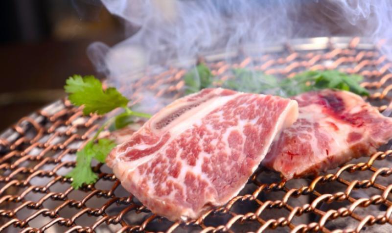 泥炉烤肉加盟