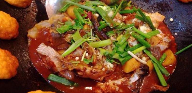 王老六铁锅炖鱼加盟
