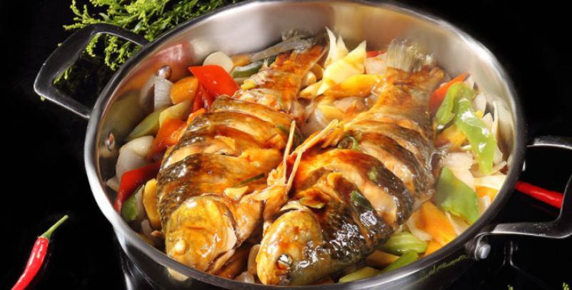 蜀八婆香汁焖锅加盟