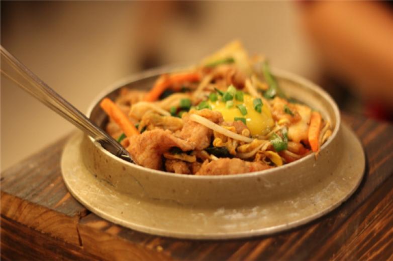 雅山日式快餐加盟