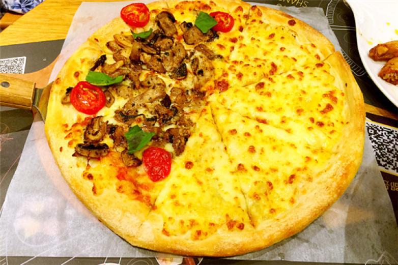 乐时榴莲披萨加盟