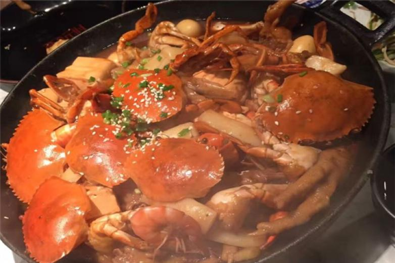 肥嫂肉蟹煲加盟