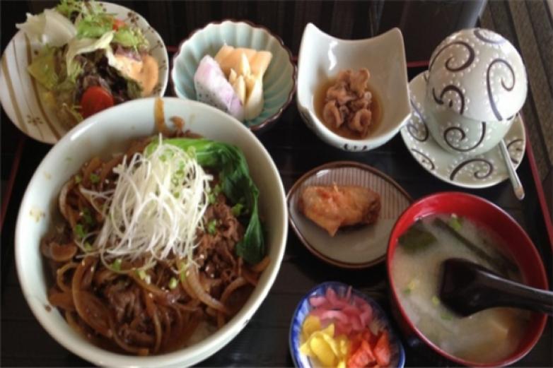 青柚子日本料理加盟