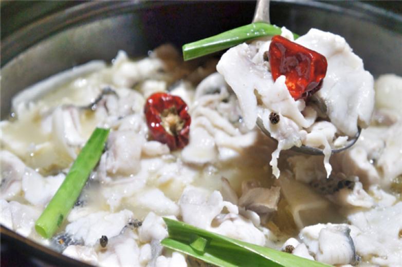 十三椒老坛酸菜鱼加盟