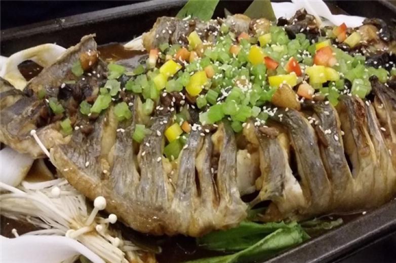 常龙烤鱼加盟