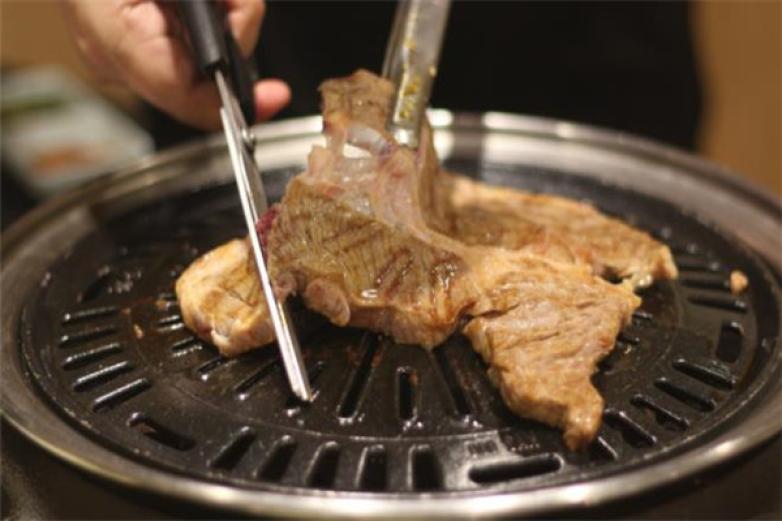 日式烤肉店加盟