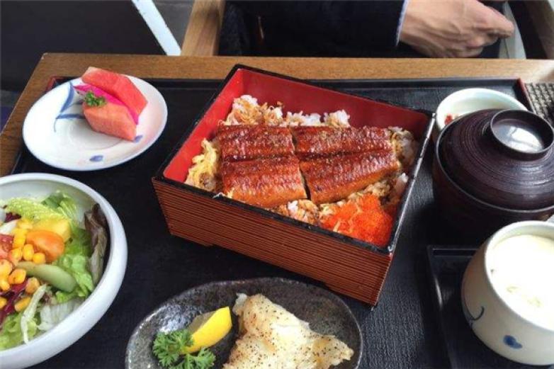隐泉日本料理加盟