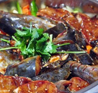 鸭嘴鱼焖锅