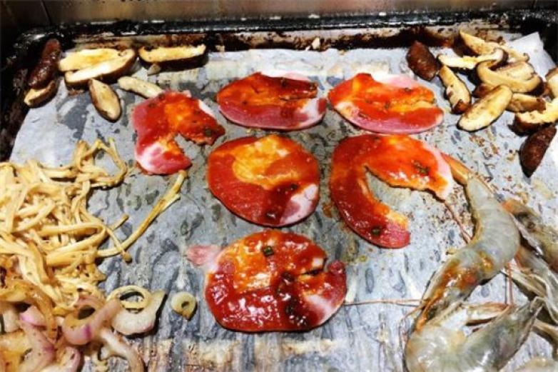 诱品韩式自助烤肉加盟