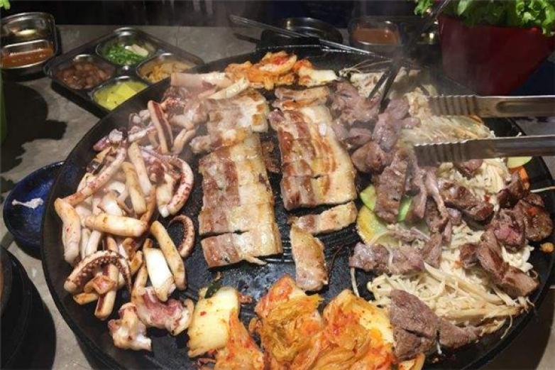 锅盖烤肉加盟