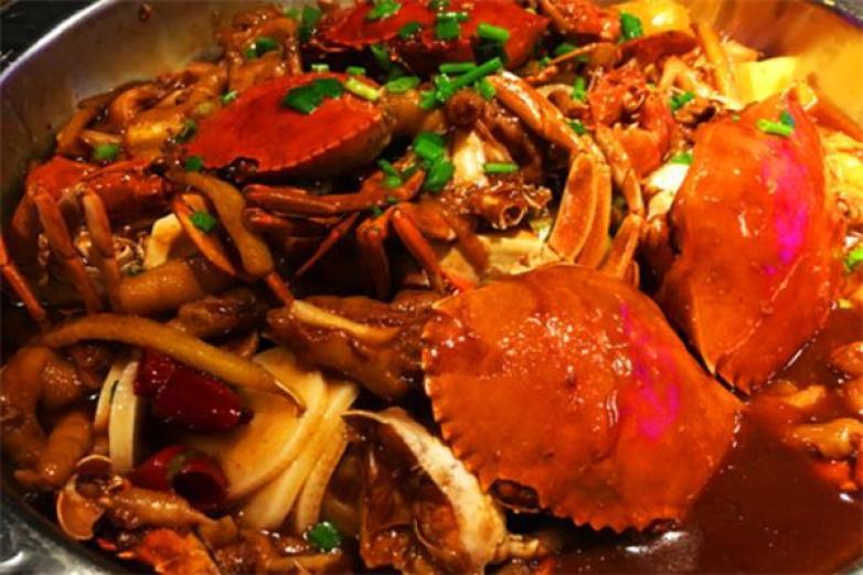萌胖子肉蟹煲加盟