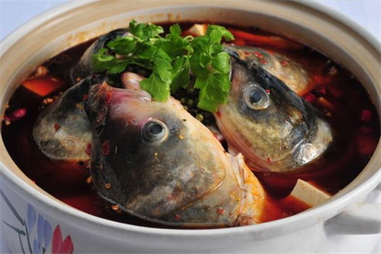 青三椒鱼头火锅加盟