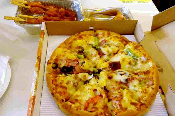 加盟尊宝披萨要多少钱