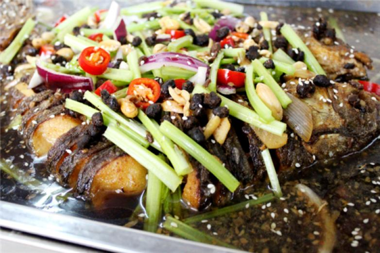 侃魚魚火火烤魚專門店加盟
