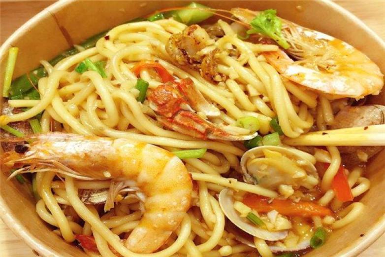 嗨柒海鮮燜面快餐小吃加盟