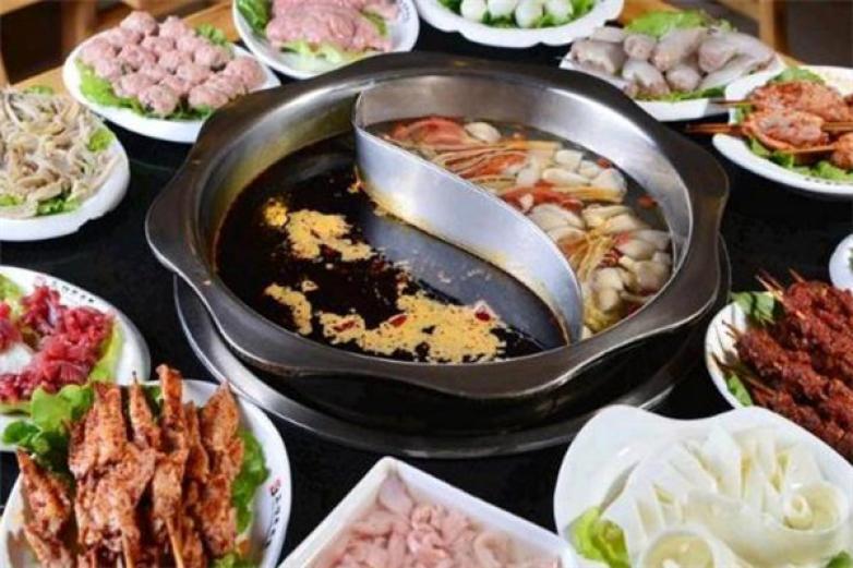 串串婆婆涮烤潮店加盟