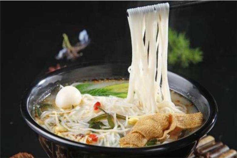 红汤烩酸菜米线加盟