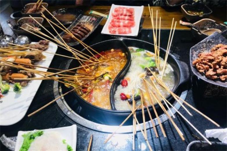 川麻婆泥锅涮肚加盟