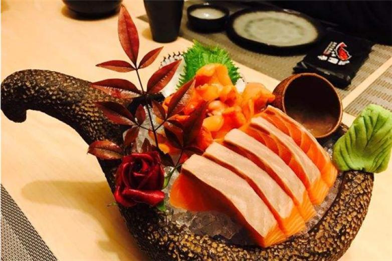 鱼四季日本料理加盟