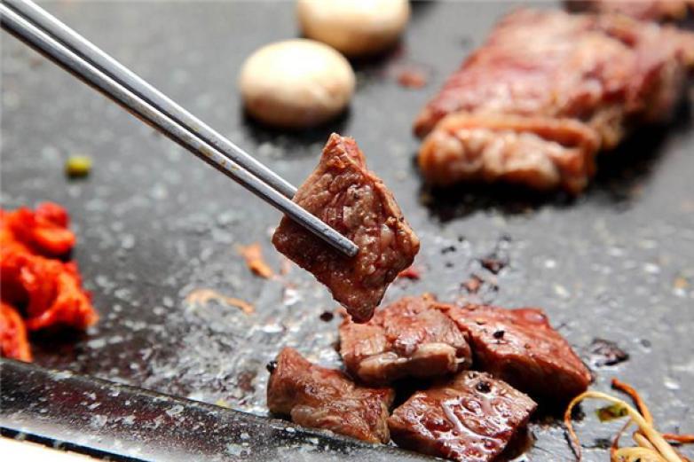 靠铺烤肉加盟