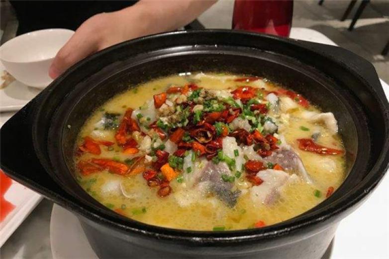 椒点酸菜鱼加盟
