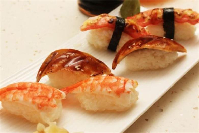 诚屋寿司加盟