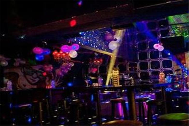 music酒吧加盟