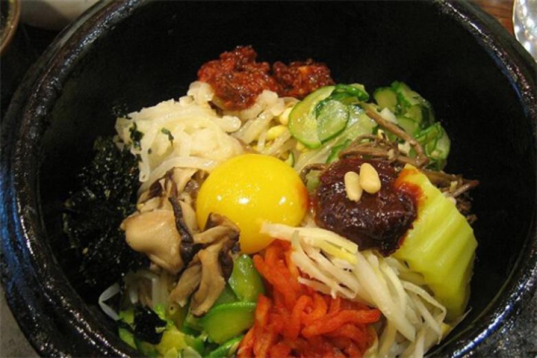 嘻多多石锅拌饭加盟
