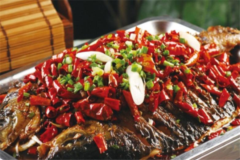 万川烤鱼加盟
