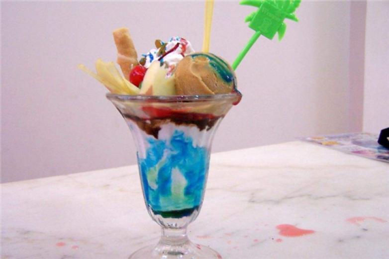 冰雪风情冰淇淋加盟