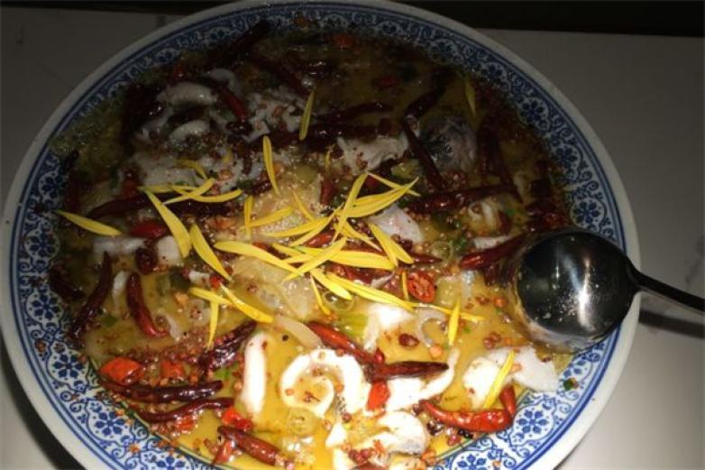 桂太二老坛酸菜鱼加盟