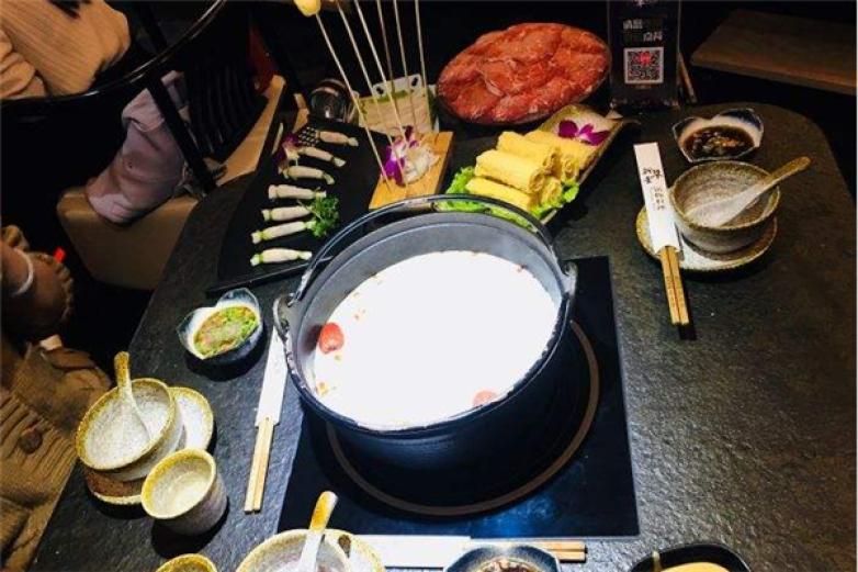 新草堂锅物料理加盟