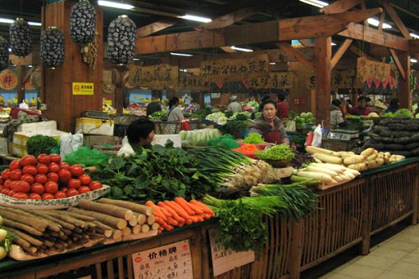 菜市场卖菜赚钱吗 菜市场开什么店挣钱