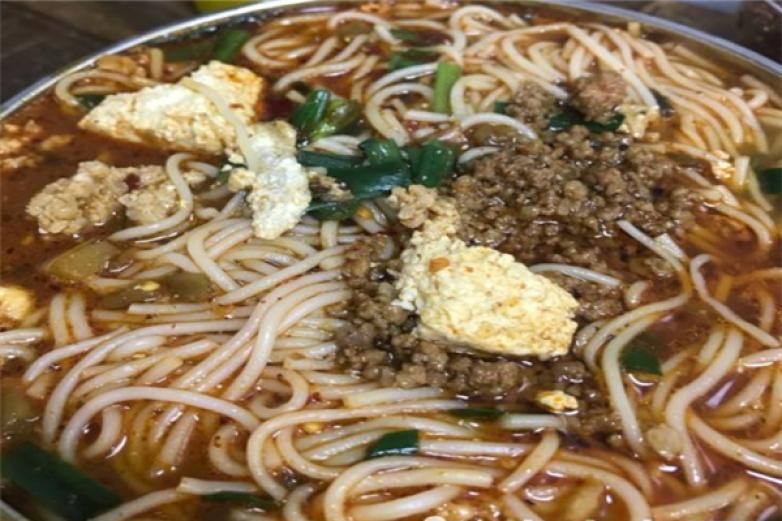 东春小锅米线加盟