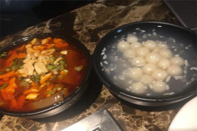 玩藕养生汤锅加盟