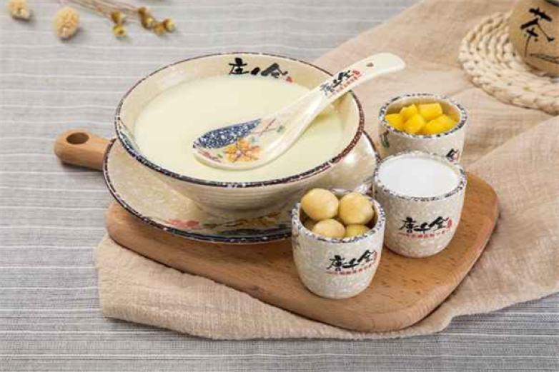 唐千金牛奶甜品加盟
