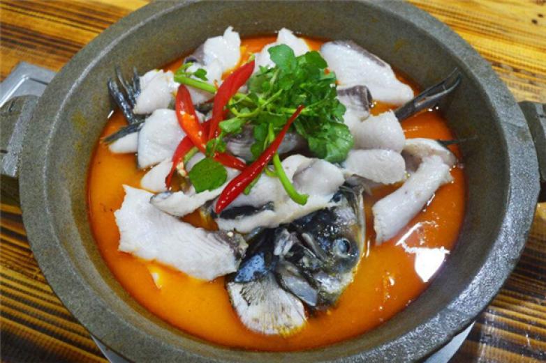 豪情石锅鱼火锅加盟
