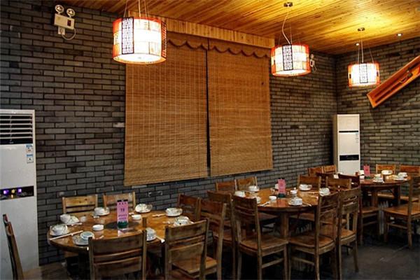 北京胡大饭馆加盟赚钱吗