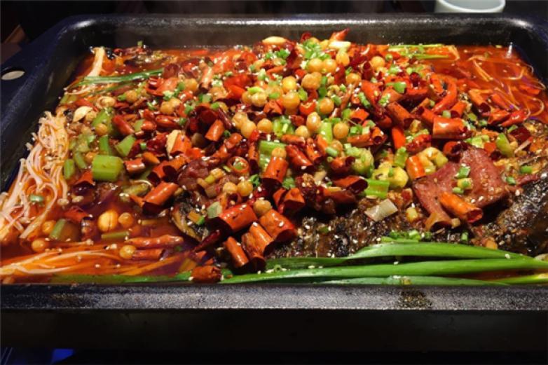 敞亮巴蜀烤鱼加盟