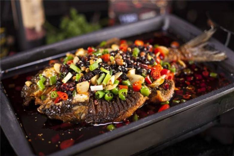 渝季特色烤魚加盟