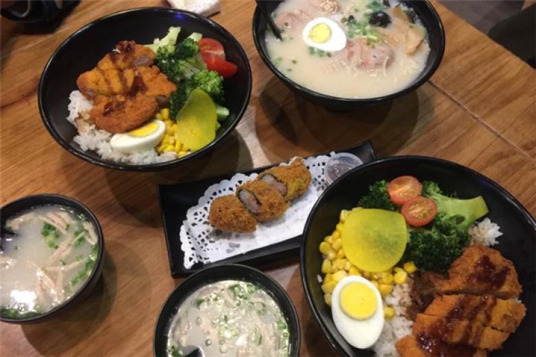 日式简餐加盟