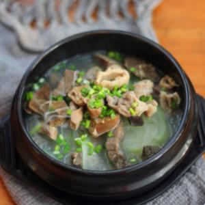 萝卜牛杂粉丝汤