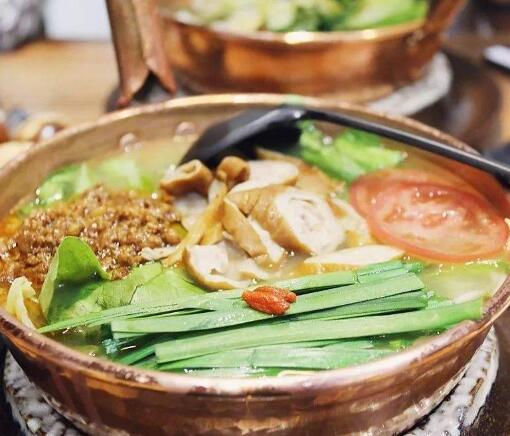 云南铜锅米线