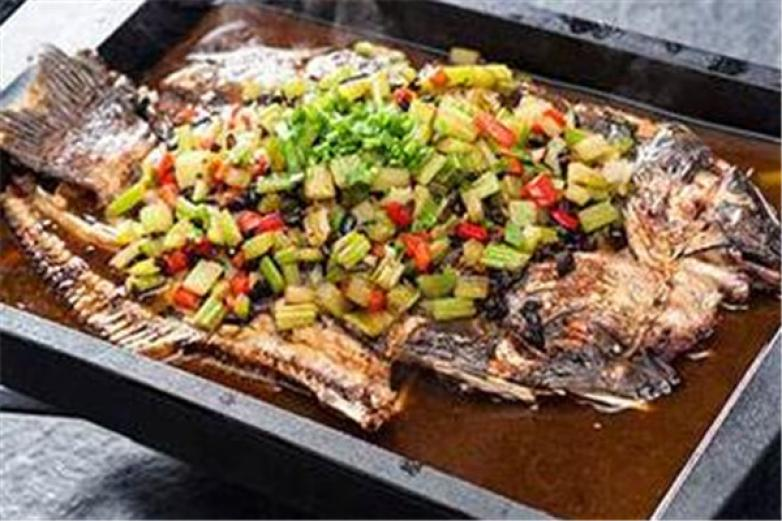 江边城外烤鱼自助加盟