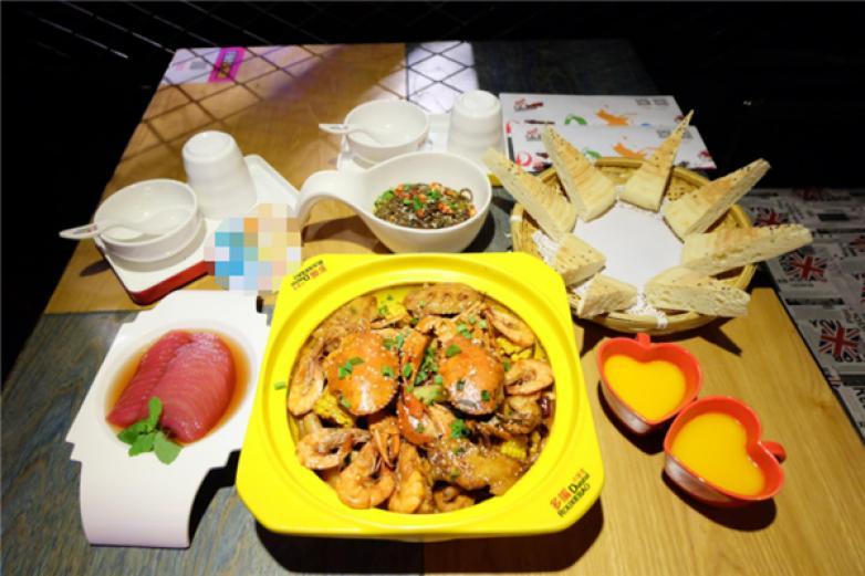 上海多嘴肉蟹煲加盟