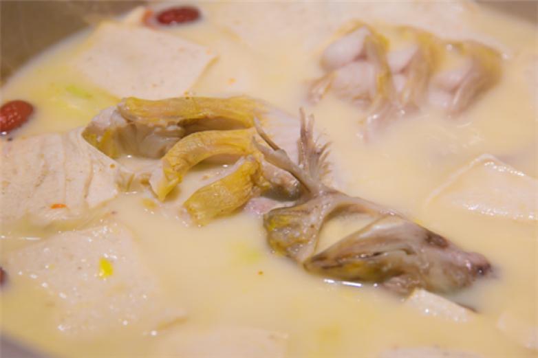 云南生態石鍋魚加盟