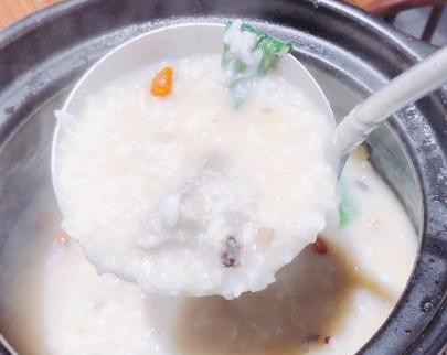 潮粥记海鲜砂锅粥