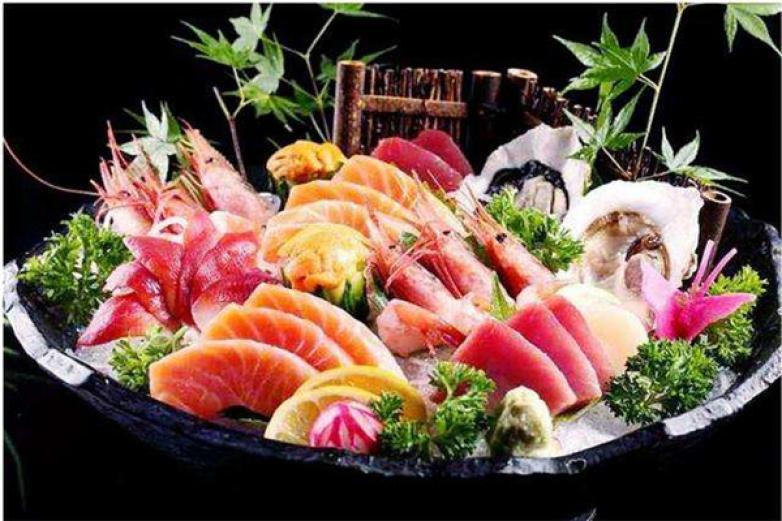 小草日式料理加盟