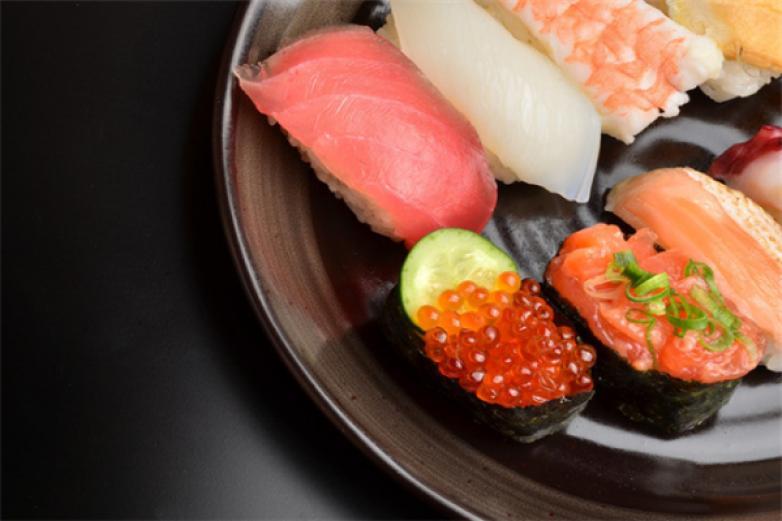疯子寿司加盟